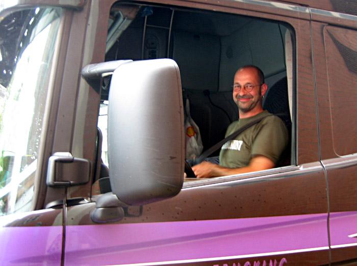 Ein glücklicher Trucker