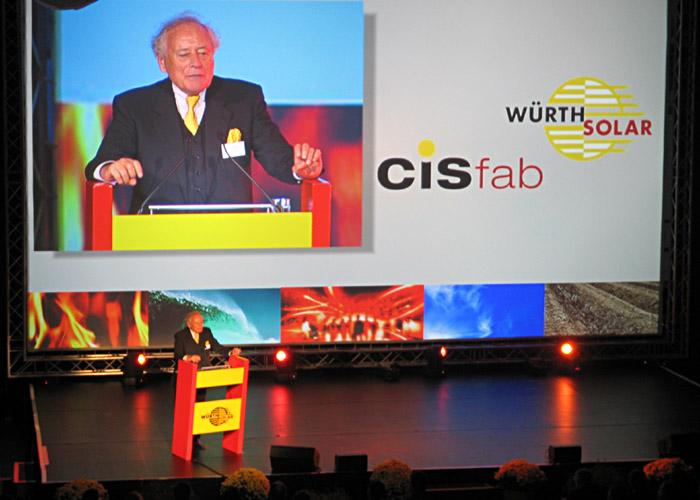Herr Prof. Dr, Reinhold Würth bei der Inbetriebnahme des CIS - Werks