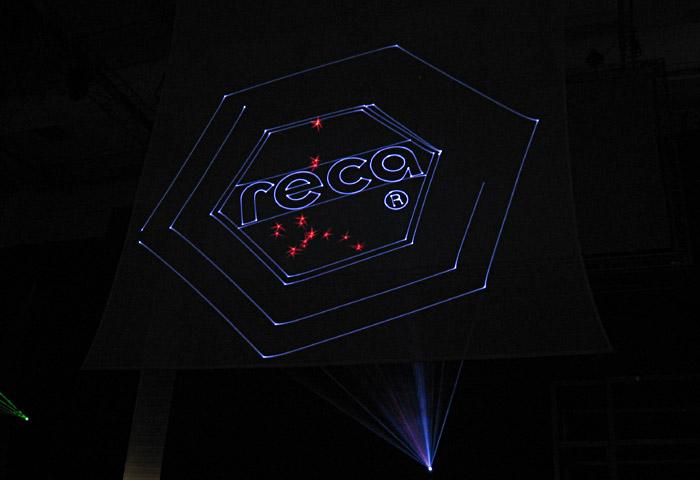 Das Reca - Logo während der Lasershow