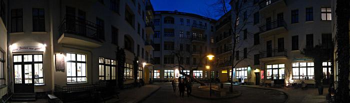 Hof 4 der Hackeschen Höfe in Berlin