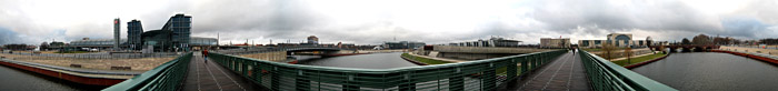Panorama mit Hauptbahnhof und Kanzleramt in Berlin