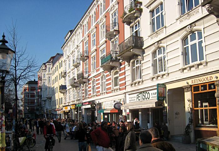 Blick über die Piazza am Schulterblatt