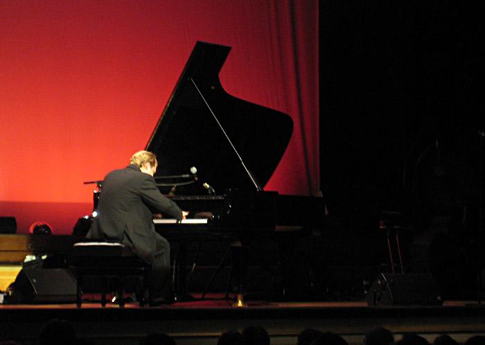 Sebastian Knauer beim Joja Wendt - Konzert in der Laeiszhalle/Musikhalle Hamburg