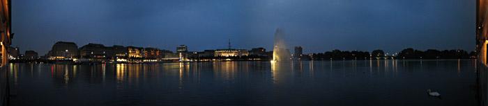 Die Binnenalster in Hamburg; Bild größerklickbar