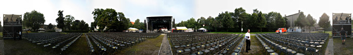 Bühne im Ravensberger Park in Bielefeld; Bild größerklickbar