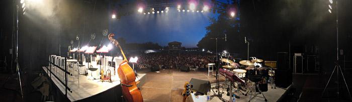 Pause auf der Feldschlößchen - Bühne in Braunschweig; Bild größerklickbar
