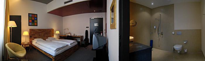 Mein Zimmer im Mövenpick Hotel Berlin beim Potsdamer Platz; Bild größerklickbar