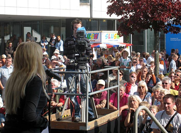 Soundcheck von Annett Louisan beim Tag der offenen Tür des NDR Landesstudios Kiel