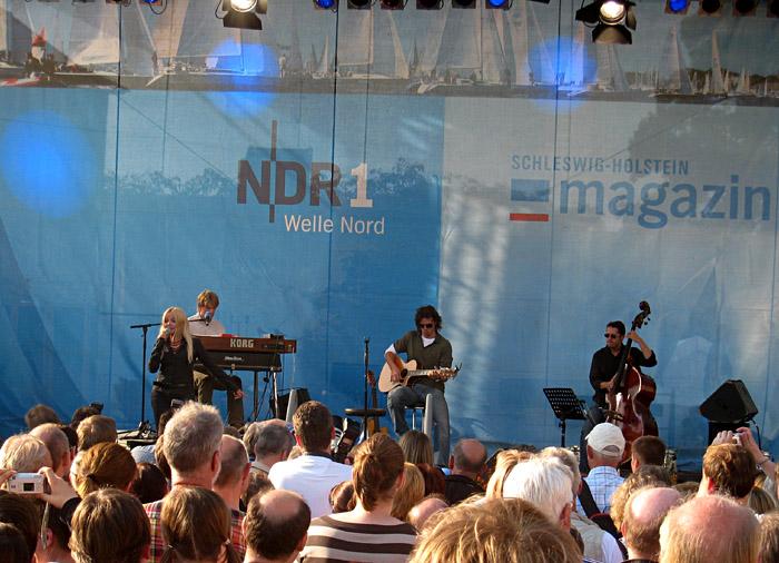 Annett Louisan beim Tag der offenen Tür des NDR Landesstudios Kiel