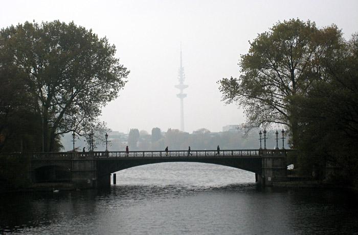 Herbststimmung an der Mundsburgbrücke, Hamburg