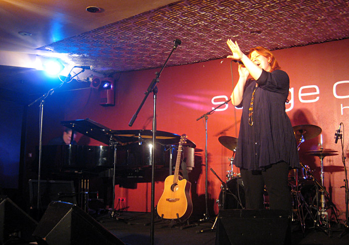 Yasmina Hunzinger im Stage Club Hamburg