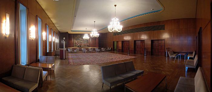 kleiner Saal der Rudolf Oetker Halle in Bielefeld; Bild größerklickbar