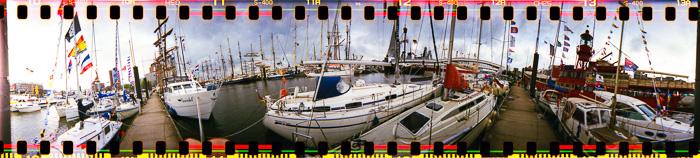 Der Hamburger Cityhafen beim Hafengeburtstag; Bild größerklickbar